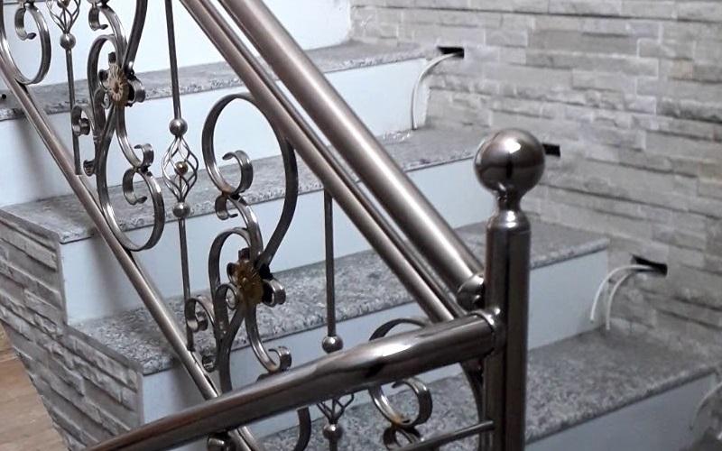 Traitement des inox d'escalier